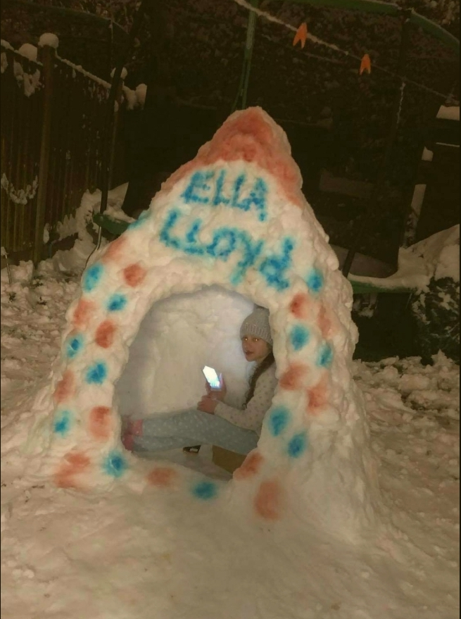 Igloo 21 Ella Lloyd copy