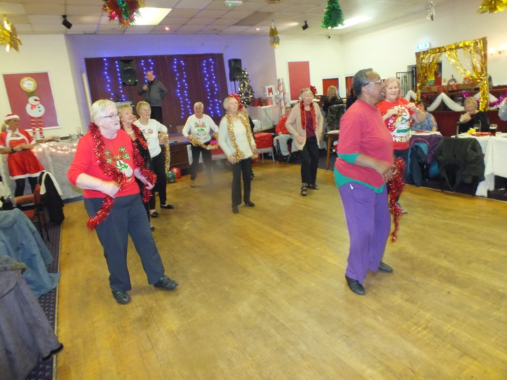 Middleton Elderly aid christmas party 2019 (14)