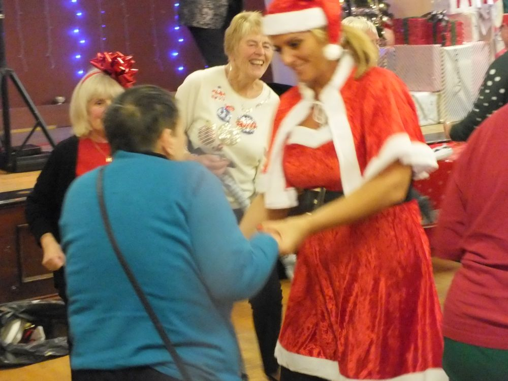 Middleton Elderly aid christmas party 2019 (18)