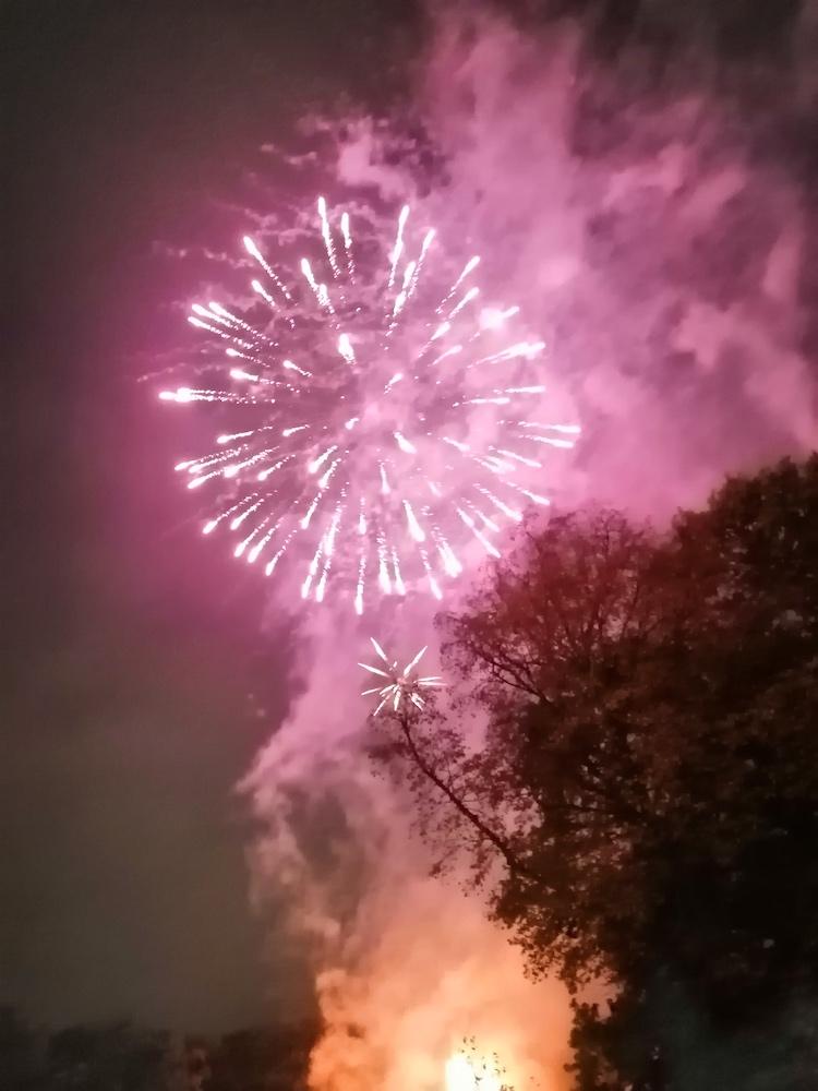 Middleton Park Bonfire 2019 10
