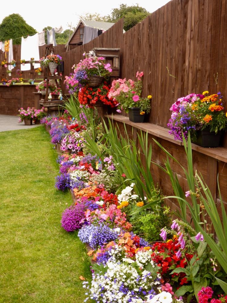 Millshaw winning garden