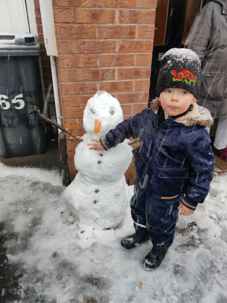 Snow 21 Snowman Marie Sallis