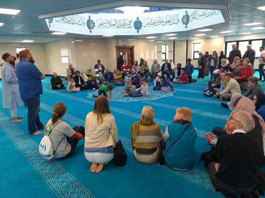 walk of friendship Inside Mosque